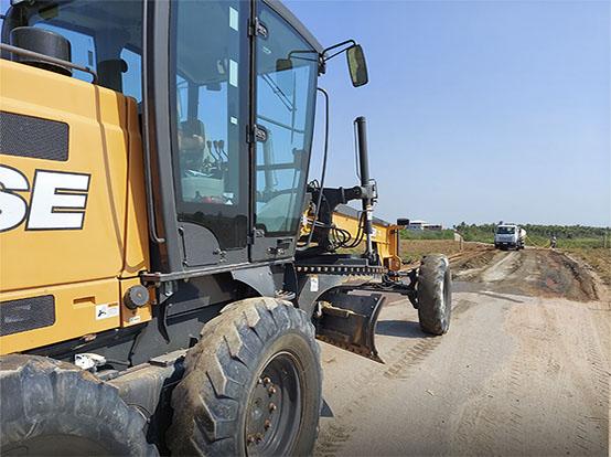Secretaria Municipal de Agricultura realiza reparos em estradas no interior de Marataízes