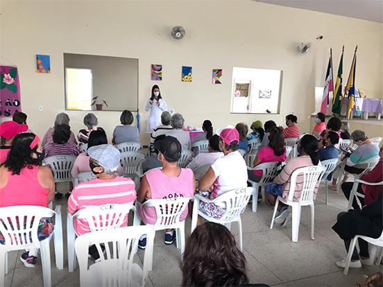 Marataízes realizou o Dia D do Outubro Rosa no Centro de Convivência Renascer